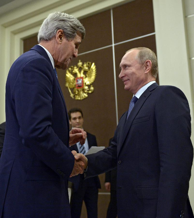 Владимир Путин обсудил с госсекретарем США выполнение минских договоренностей