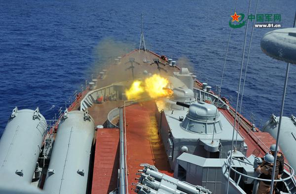 """Во время учений """"Морское взаимодействие"""" военные КНР и России сразились с условными пиратами"""