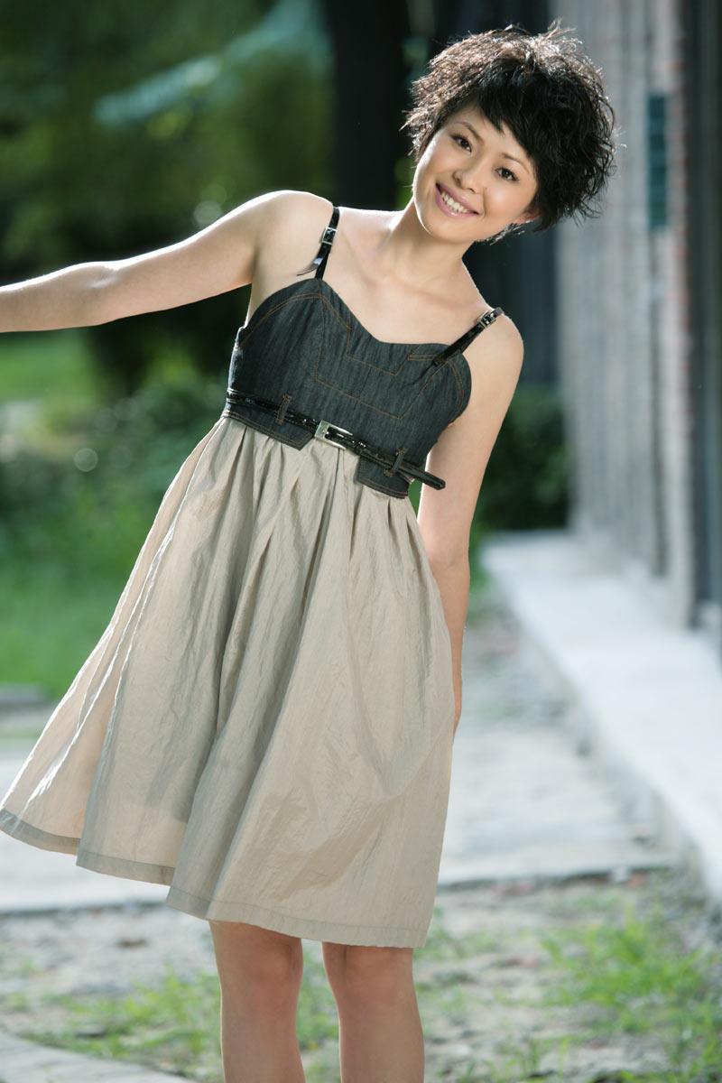 爱生活爱公益的中文国际主持人栗娜