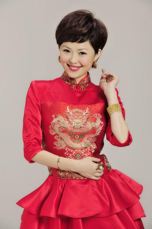 中文国际主持_爱生活爱公益的中文国际主持人栗娜