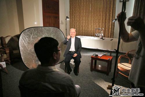 徐匡迪主席接受采访
