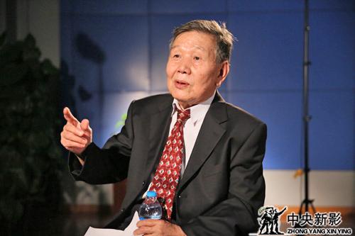吴建常副部长接受采访