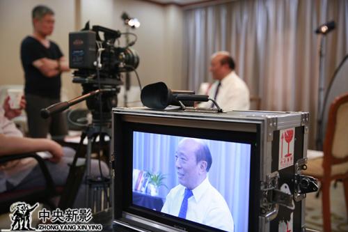 蒲海清部长接受采访