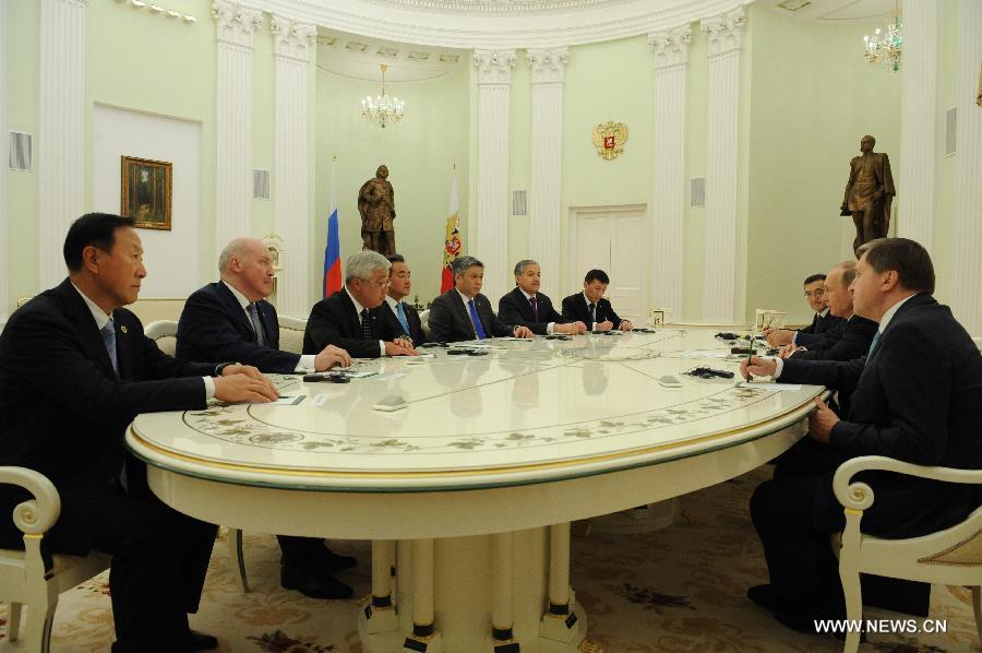 В.Путин встретился с Ван И и министрами иностранных дел других стран ШОС