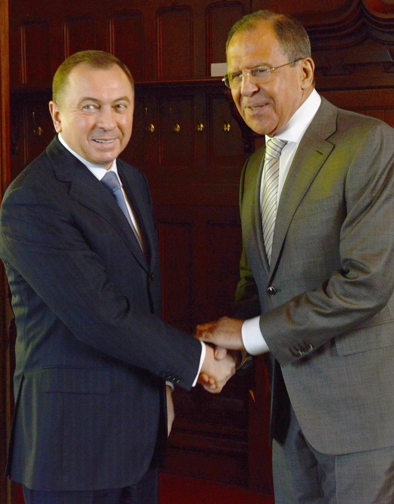 Лавров в ходе встречи со своим белорусским коллегой Владимиром Макеем.