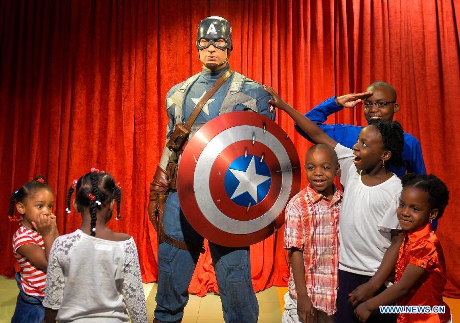 """В Вашингтоне в музее Мадам Тюссо появился """"Капитан Америка"""""""