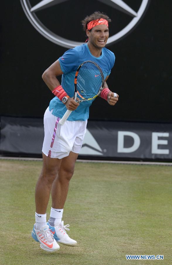 Р. Надаль обыграл Г. Монфиса и вышел в финал Stuttgart Open