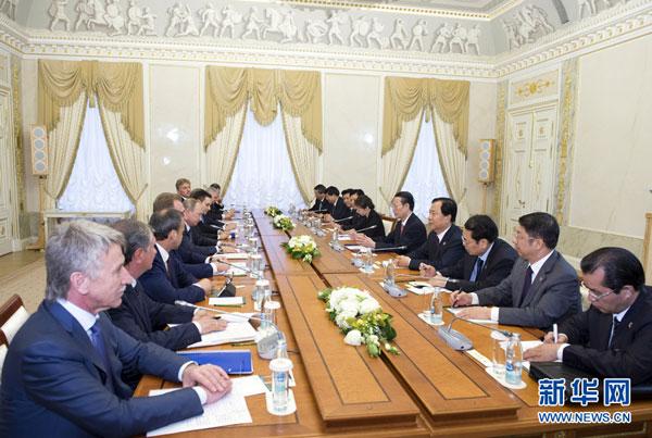 Владимир Путин встретился с вице-премьером Госсовета КНР Чжан Гаоли