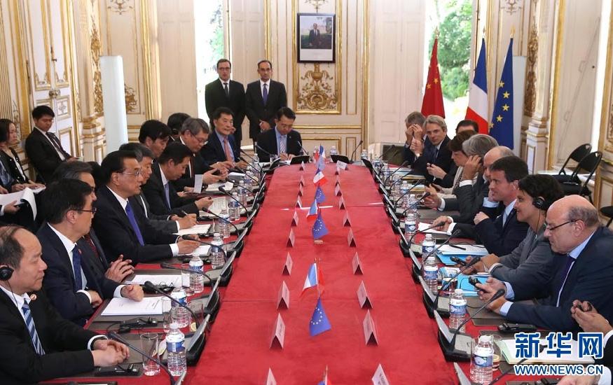 Le Premier ministre Li rencontre le président et le Premier ministre français