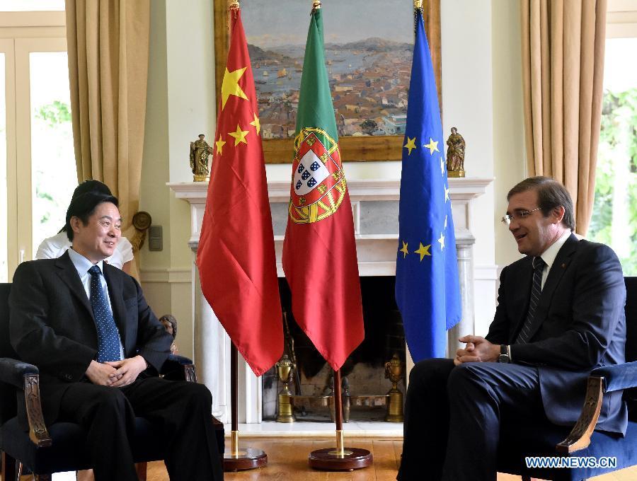 Лю Цибао встретился с премьером Португалии П.Пассуш-Коэлью