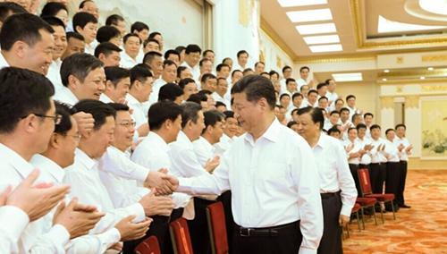 6月30日,党和国家领导人习近平、刘云山等在北京人民大会堂会见全国优秀县委书记。