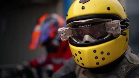 关爱 您的头盔 教您如何保养头盔