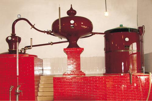 法国夏朗德蒸馏器