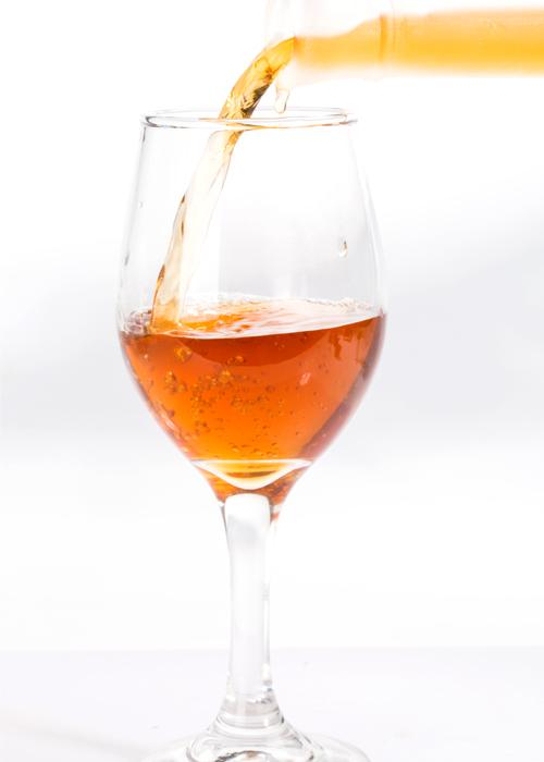 酒气融合新鲜荔枝的果香,甜蜜醇香