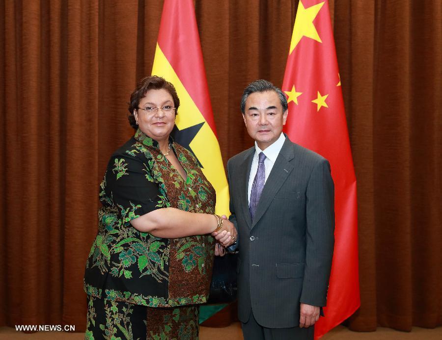 Ван И провел переговоры с главой МИД Ганы Х.Теттех