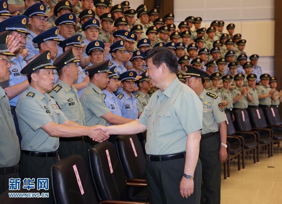 شي جين بينغ يقوم بزيارة تفقدية للفرقة السادسة عشرة في الجيش