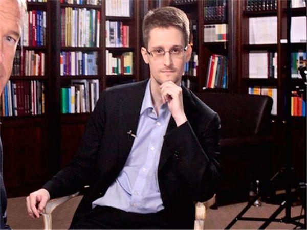Документальный фильм про Сноудена лидирует в прокате