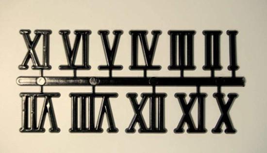 """流传几千年的罗马数字有可能会消失。意大利罗马近日表示,将放弃使用罗马数字,因为对现代人来说太复杂,议会已下令将街道指示牌、官方文件改成意大利文写法。意大利国家统计局(ISTAT)表示,意大利只剩首都罗马使用罗马数字,全国统一使用相同的数字系统。   【点评】罗马数字不在现实中使用了,而作为古罗马文化的一部分,但愿不要在历史中消失。 """"康菲溢油""""重大事故环境公益诉讼首立案"""