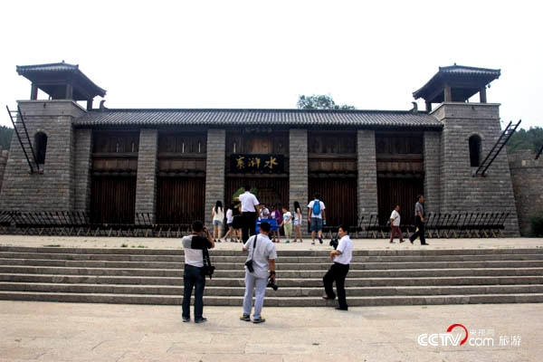 水泊梁山风景区位于山东省西南部的梁山县境内