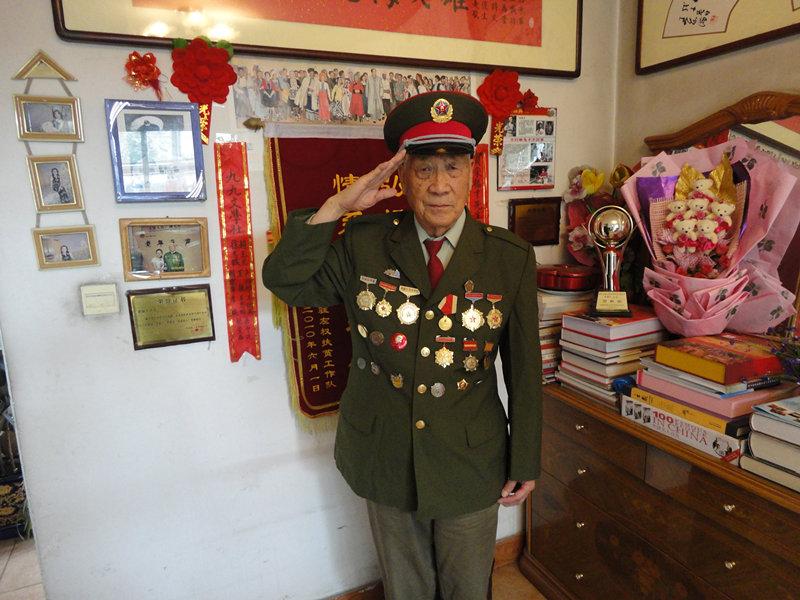 87岁老兵宋福才:首次战斗拼刺刀杀死3敌人