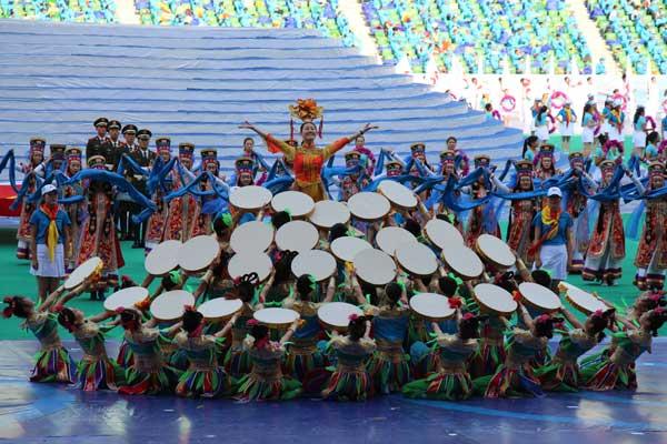 8月9日16:30视频直播第10届民族运动会开幕式图片