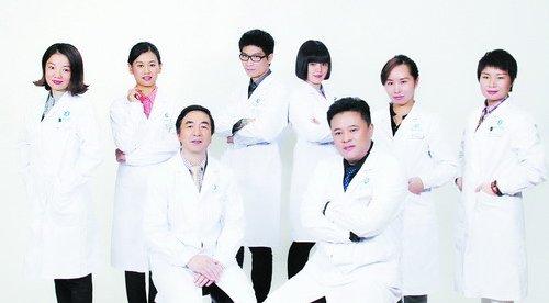 海峡整形,拥有国际先进的医美设备体系,齐聚强大的医师团队