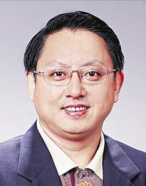徐国庆高票当选湖里区区长