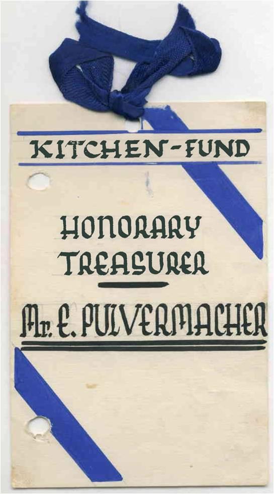 Найдя убежище в Шанхае, Эрхард Пульвермахер с 1942 по 1945 год занимал должность почетного финансового инспектора «Фонда кухни», решал проблему питания беженцев. Эрхард работал на добровольных началах, не имел никакого вознаграждения.