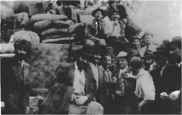 Весна 1943 года, беженцы переселяются в изолированную зону Хункоу