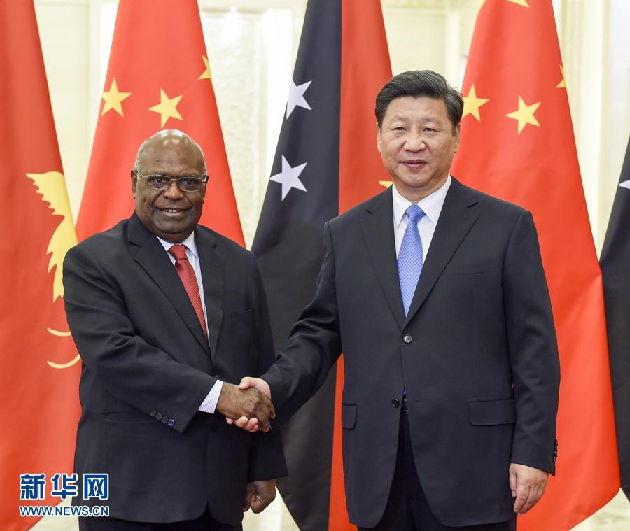 الرئيس الصيني يلتقي الحاكم العام لبابوا غينيا الجديدة