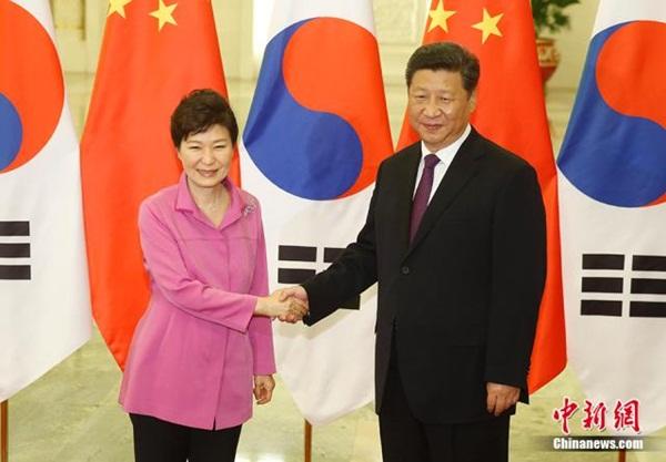 الرئيس الصيني يلتقي نظيرته الكورية الجنوبية