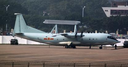 海上巡逻机梯队由3架运-8型特种飞机和10