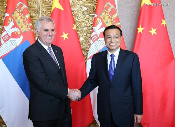 رئيس مجلس الدولة الصينى يجتمع مع الرئيس الصربى