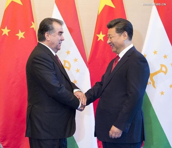 الرئيس الصيني يلتقي مع رئيس طاجيكستان