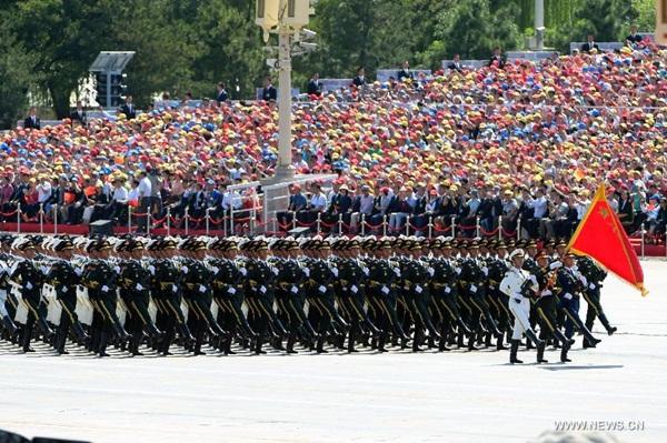 أكبر تشكيل لحرس الشرف في جيش التحرير الشعبي الصيني