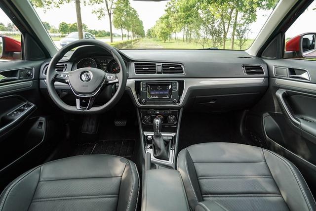 上海大众新款朗逸-八月热销紧凑级车型推荐 15万元级受追捧高清图片