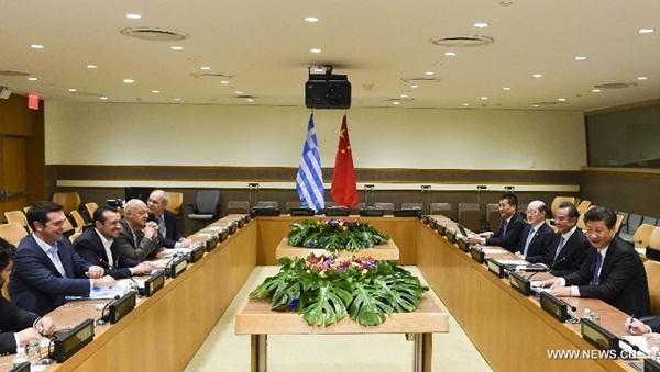 لقاء الرئيس الصيني شي جين بينغ مع رئيس الوزراء اليوناني أليكسيس تسيبراس