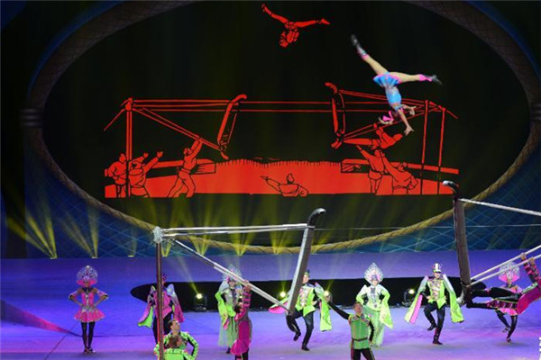 Chinese acrobats have shined in world-class competition, winning two top places at the 15th China Wuqiao International Circus Festival.
