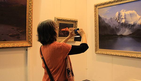В Пекине открылась международная выставка-ярмарка предметов искусства