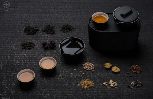 不是普通茶具而是功夫茶具,所以什么茶都能轻松沏泡。