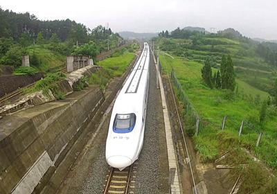 成渝高铁年底通车 计划开行32对高速动车组