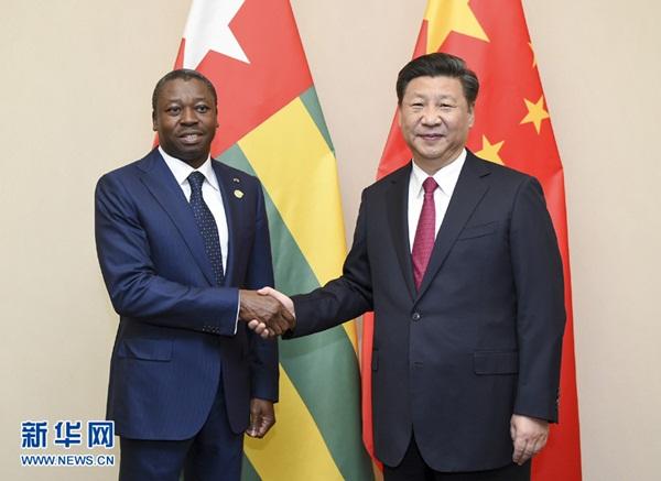 الرئيس شي يتعهد بدفع العلاقات الثنائية مع توجو قدما