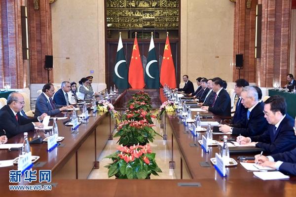 الرئيس الصيني يلتقي الرئيس الباكستاني