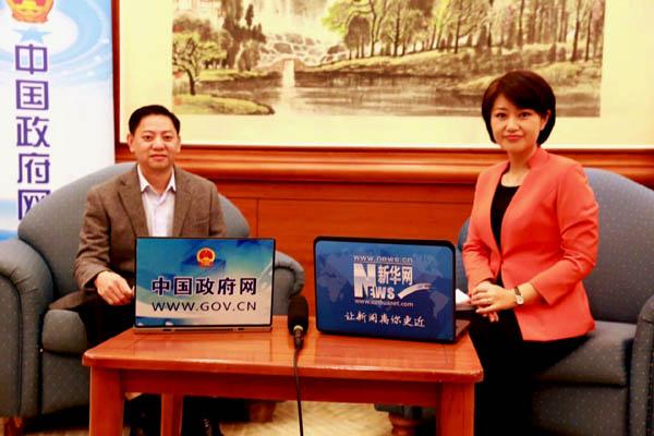 广东省人力资源和社会保障厅副厅长葛国兴接受专访。新华网 记者 郑磊 摄
