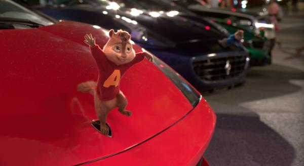 《鼠来宝4 萌在囧途》预告海报   艾文恶搞车标造型    网易娱乐1