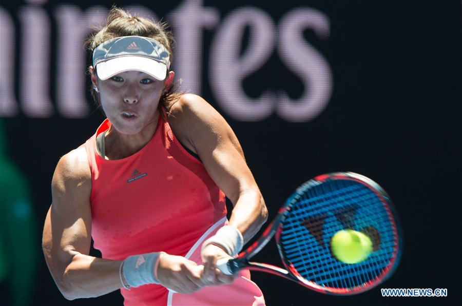 MELBOURNE, Jan. 18, 2016 (Xinhua) -- Wang Qiang of China returns the ball during the first-round match of women