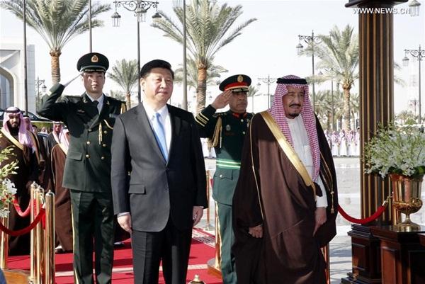 الصين والمملكة العربية السعودية ترفعان مستوى علاقاتهما إلى الشراكة الاستراتيجية الشاملة