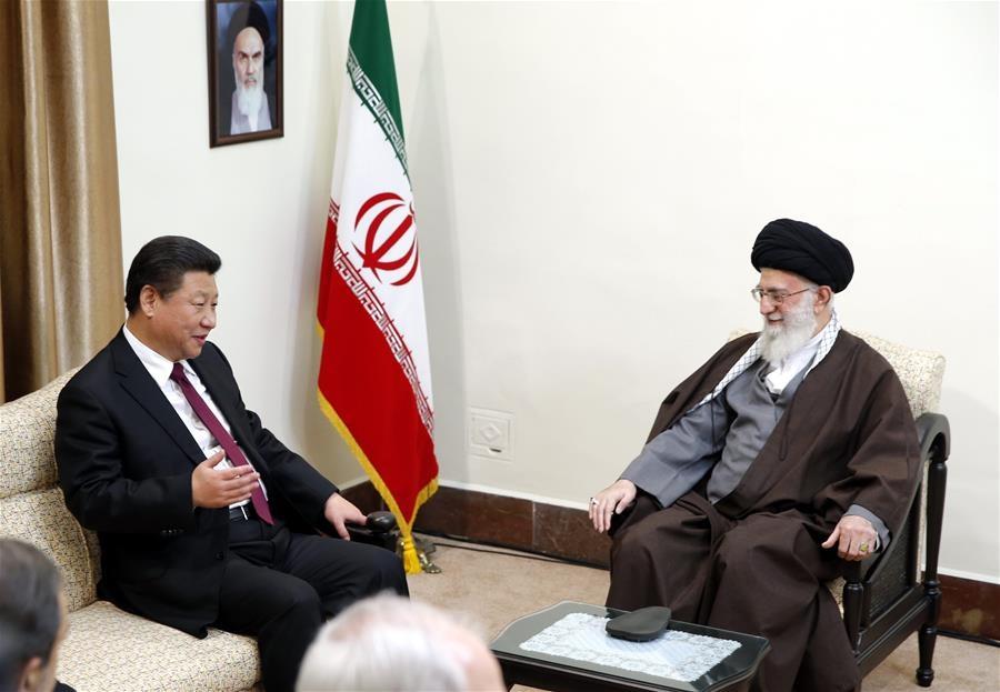 شي جين بينغ يلتقي مع المرشد الأعلى الإيراني