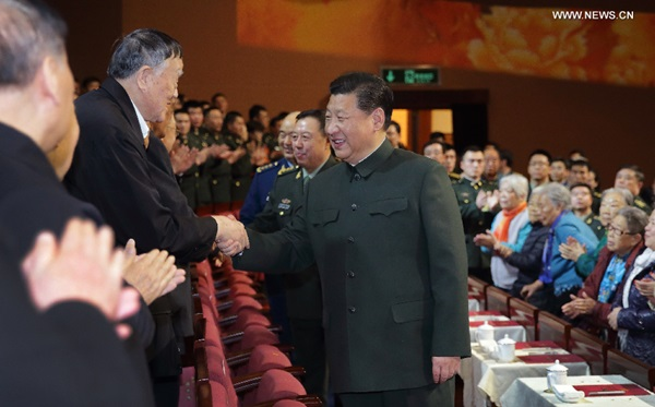 حضر الرئيس الصيني الأمين العام للجنة المركزية للحزب الشيوعي الصيني شي جين بينغ حفلا موسيقيا للمسؤولين العسكريين المتقاعدين وقدامى المحاربين بالجيش