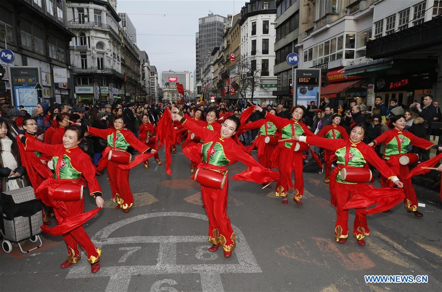 Photos la parade du nouvel an chinois bruxelles cctv - Look nouvel an ...